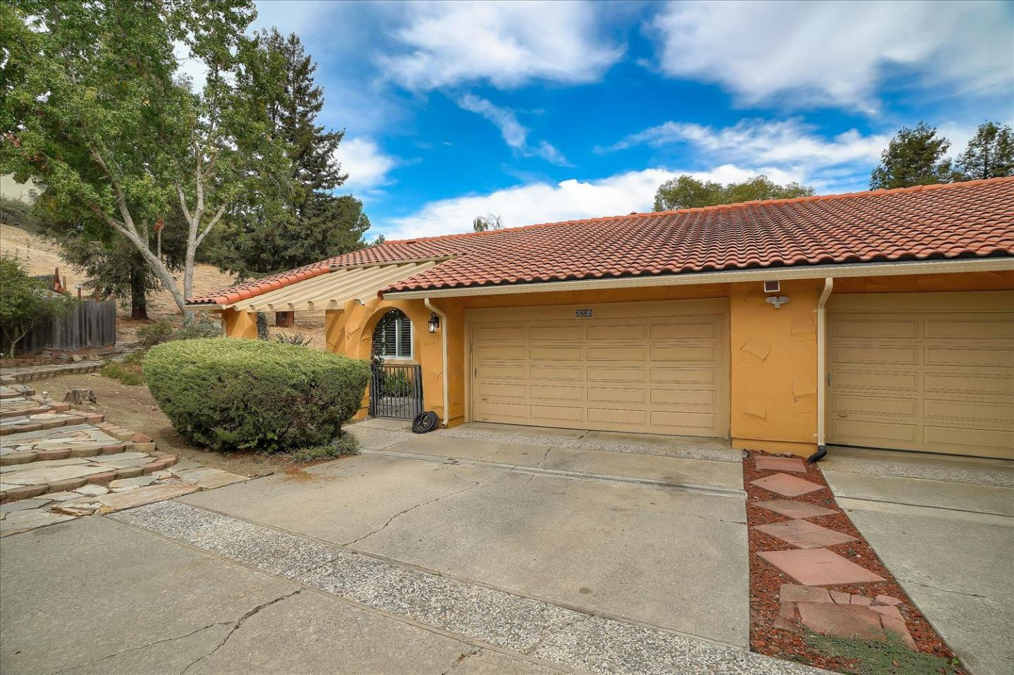 Detail Gallery Image 1 of 1 For 3235 E Dunne Ave, Morgan Hill,  CA 95037 - 3 Beds   2 Baths