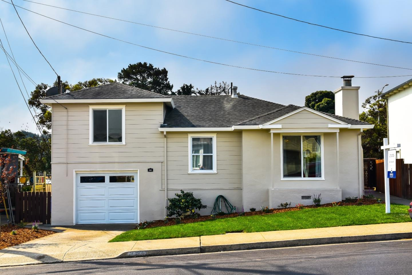 Detail Gallery Image 1 of 22 For 121 Duval Dr, South San Francisco,  CA 94080 - 3 Beds   1 Baths