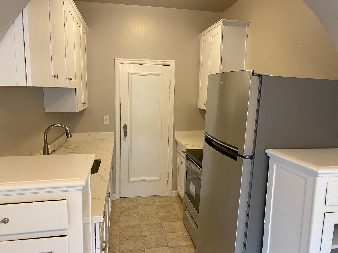 Detail Gallery Image 1 of 14 For 1021 El Camino Real #101,  Burlingame,  CA 94010 - 0 Beds | 1 Baths