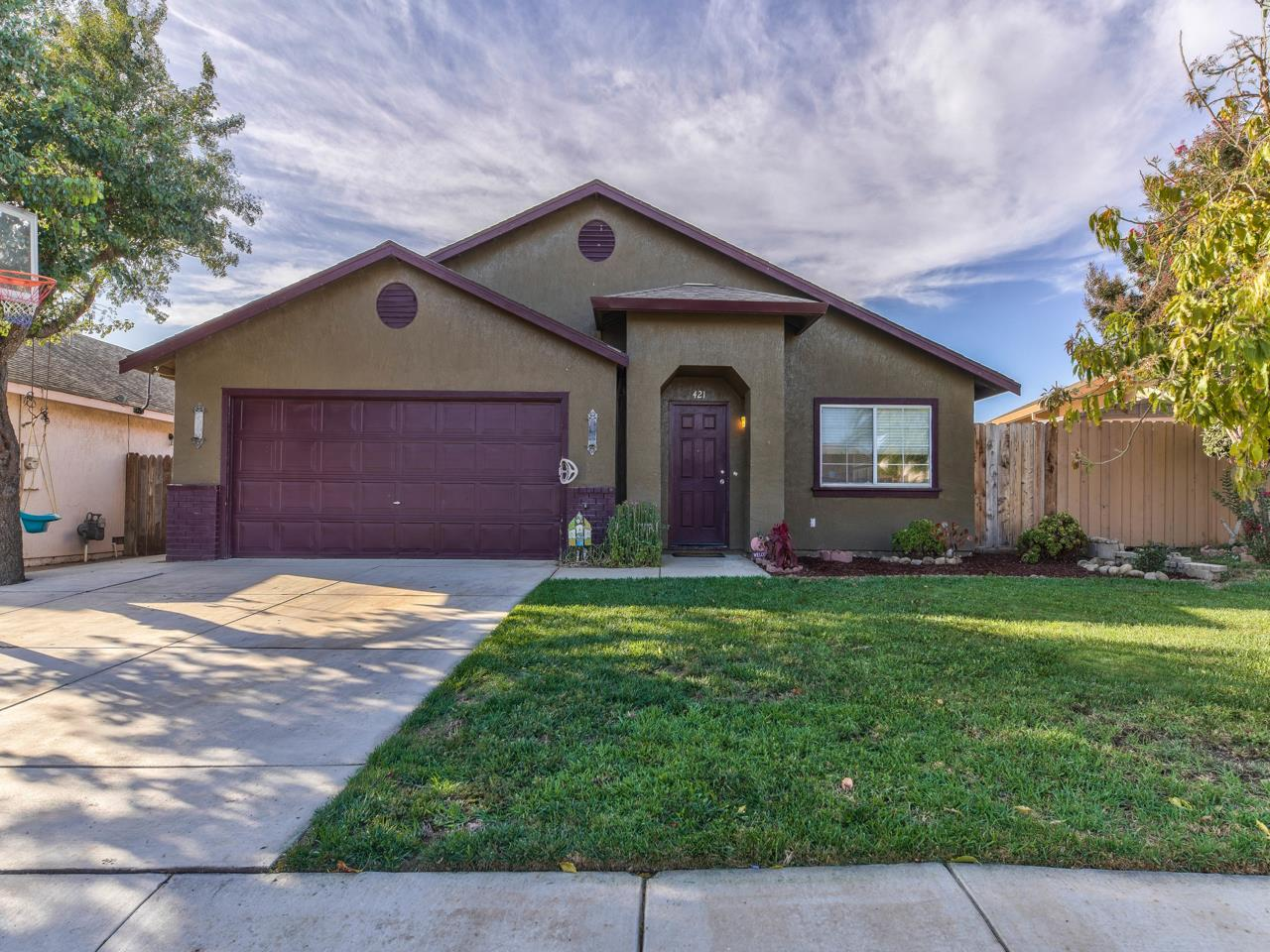 Detail Gallery Image 1 of 1 For 421 Indian Warrior Way, Soledad,  CA 93960 - 4 Beds | 2 Baths