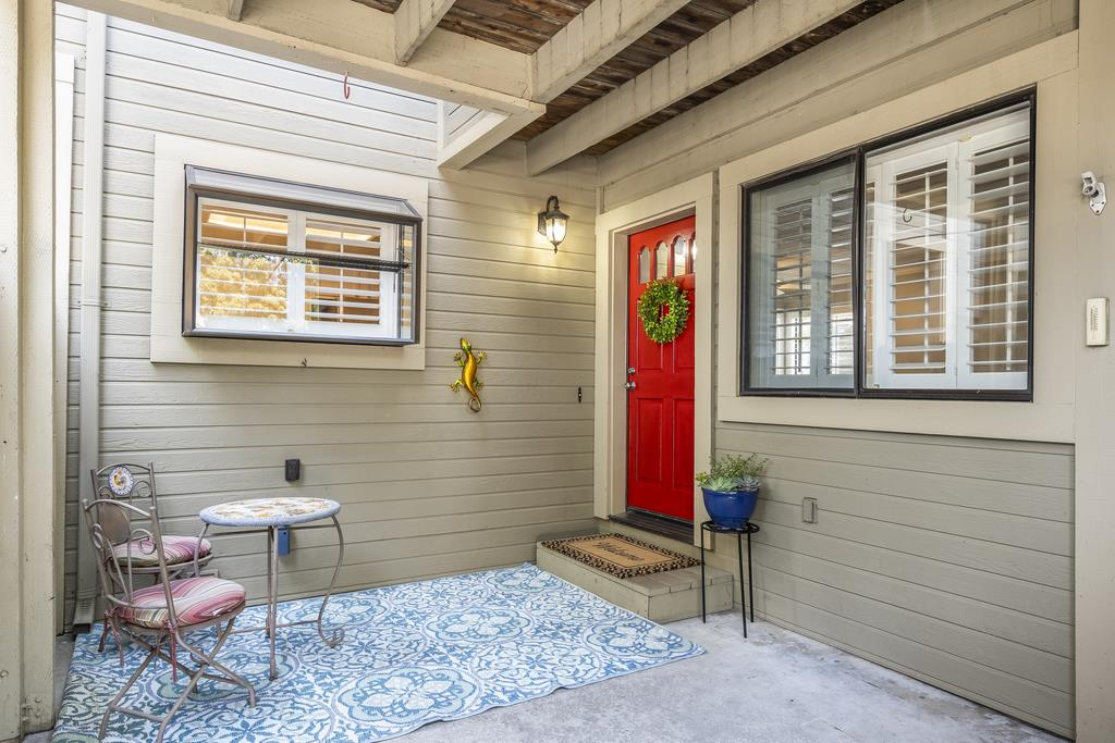 Detail Gallery Image 1 of 1 For 17970 Hillwood Ln, Morgan Hill,  CA 95037 - 2 Beds   2 Baths