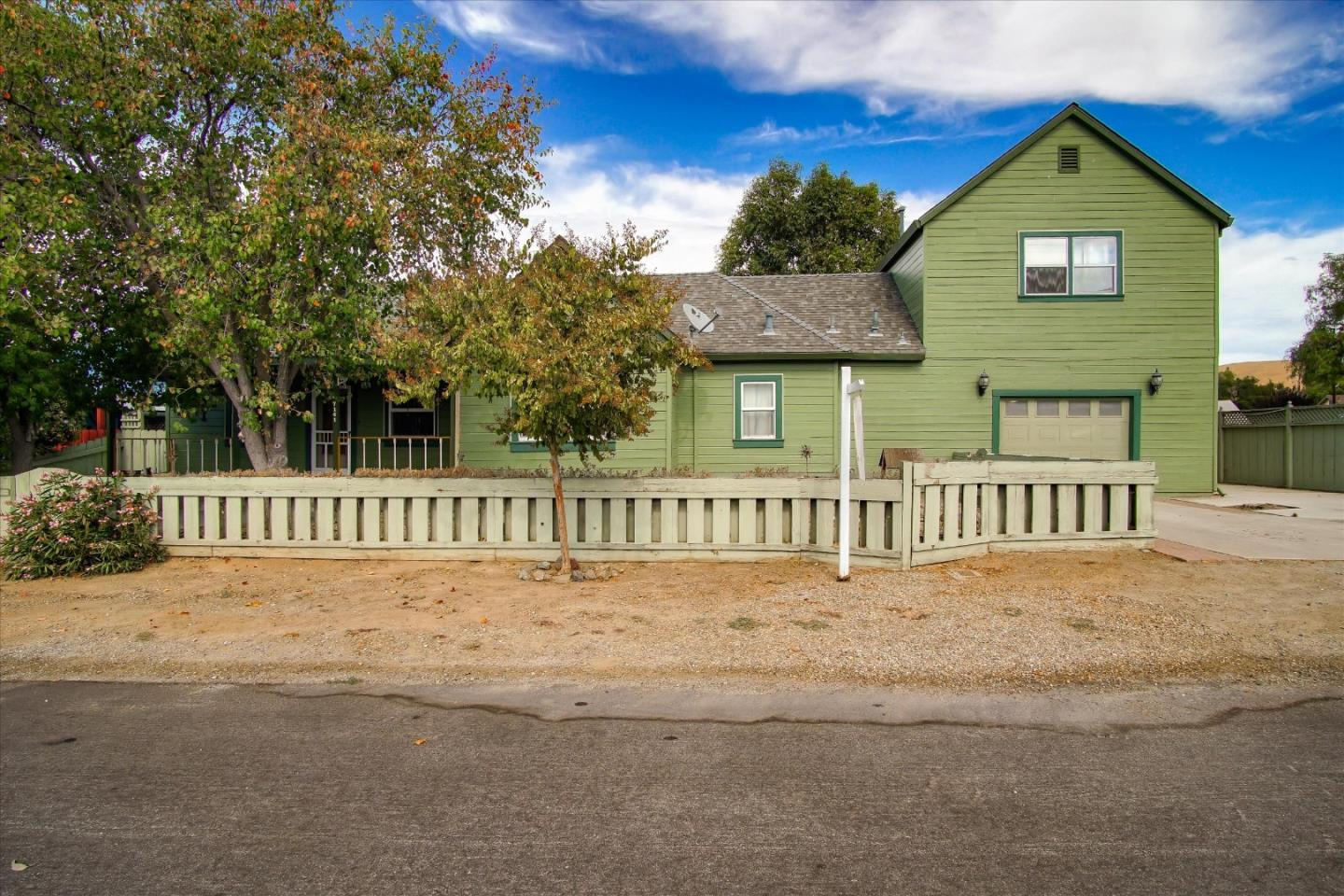Detail Gallery Image 1 of 1 For 7141 F St, Tres Pinos,  CA 95075 - 3 Beds | 1 Baths