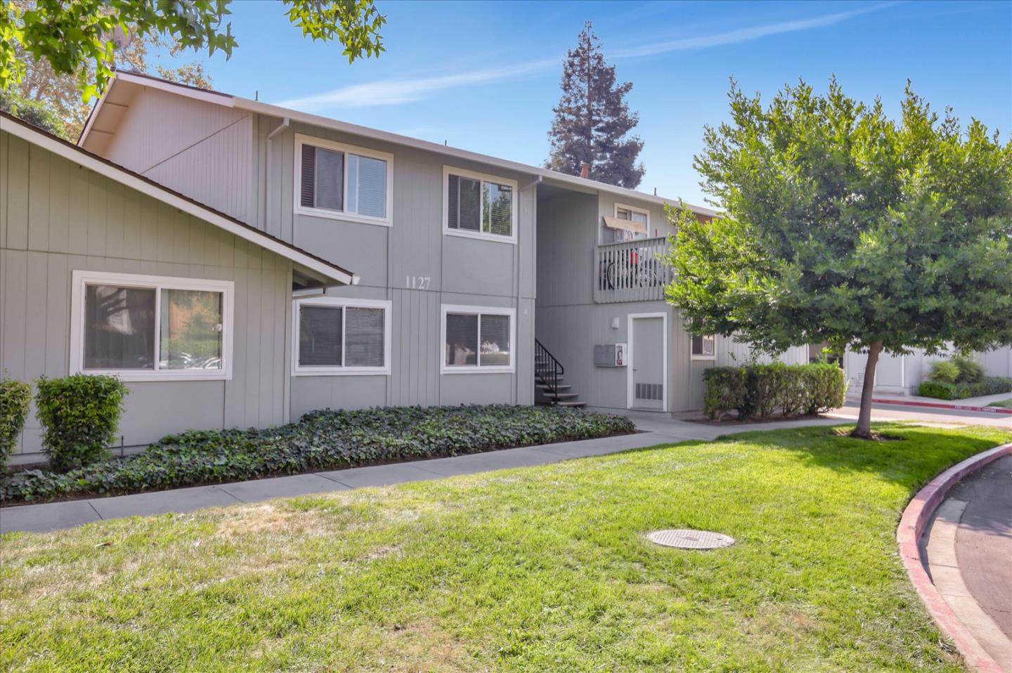 Detail Gallery Image 1 of 1 For 1127 Reed Ave #B,  Sunnyvale,  CA 94086 - 2 Beds | 1 Baths