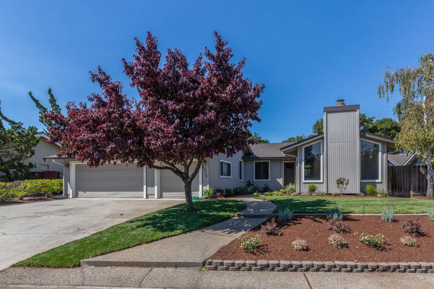 Detail Gallery Image 1 of 1 For 2370 Friars Ln, Los Altos,  CA 94024 - 4 Beds | 2/1 Baths