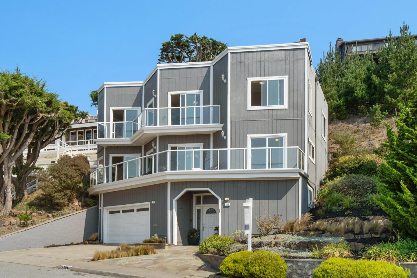 Detail Gallery Image 1 of 1 For 359 Beaumont Blvd, Pacifica,  CA 94044 - 4 Beds | 3/1 Baths