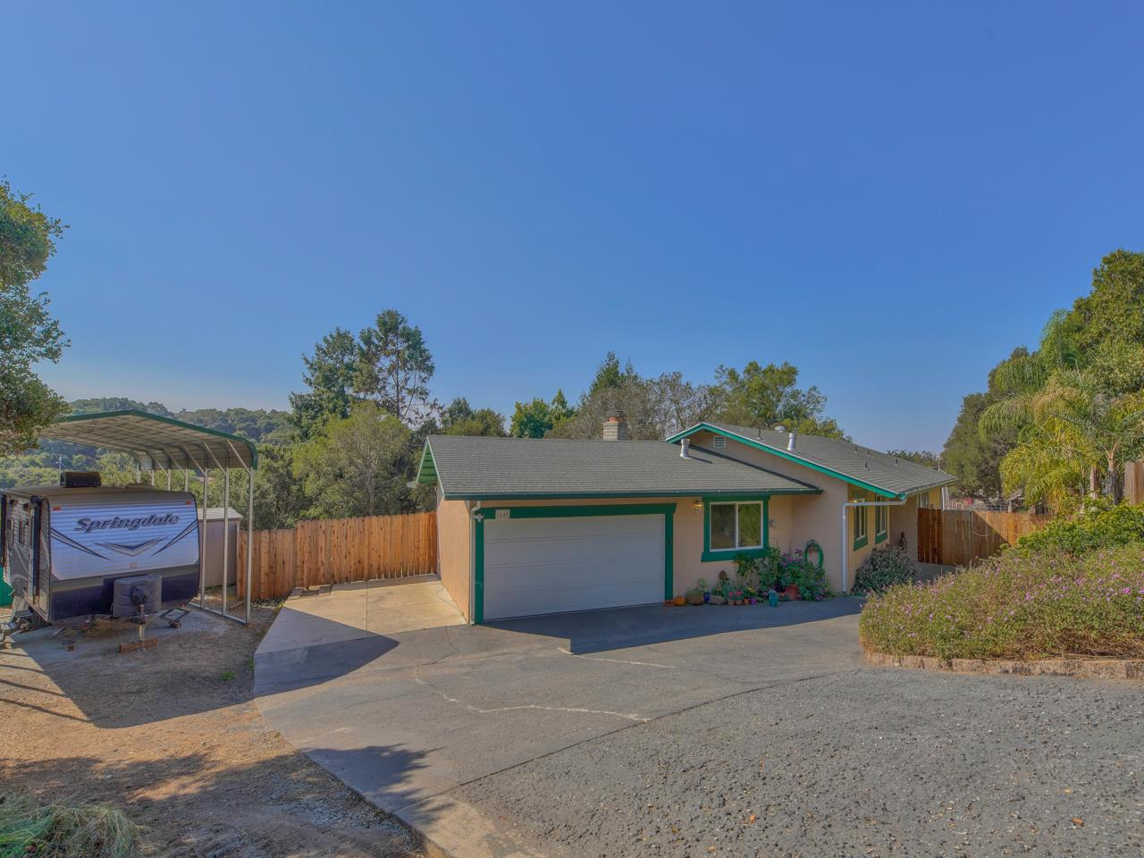 Detail Gallery Image 1 of 1 For 8640 Berta Canyon Ct, Salinas,  CA 93907 - 3 Beds | 2 Baths
