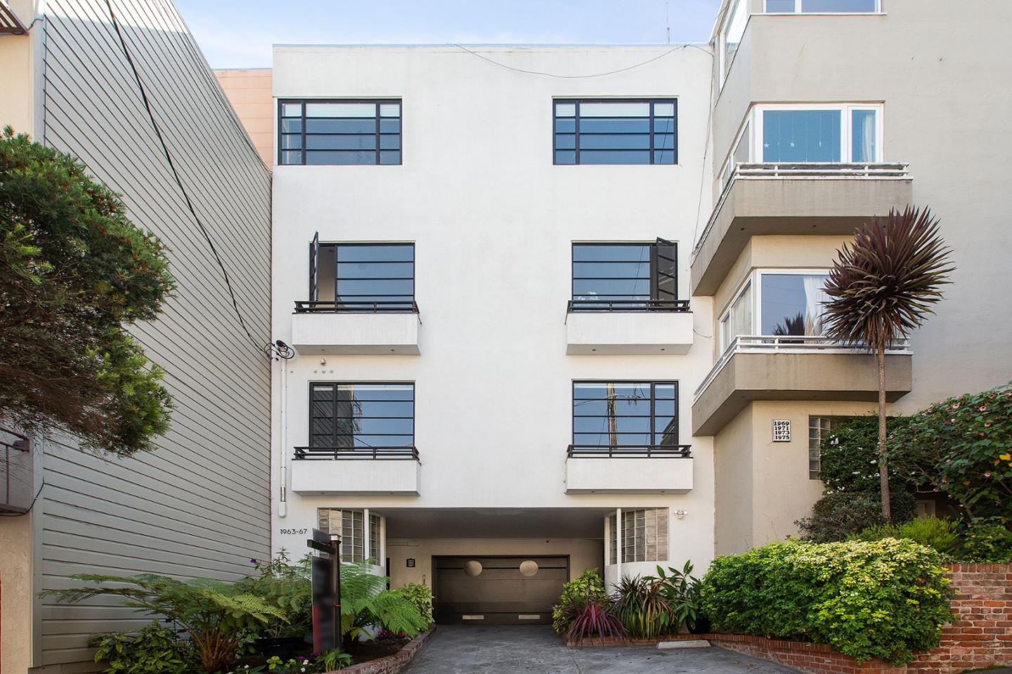 Rare opportunity to own a piece of Pacific Heights! Enjoy a newly remodeled, light-filled studio in a boutique 4-unit 1938 Art Deco building. Perfect for a city dweller to call home or pied a terre amongst the most luxurious areas in San Francisco. An open-concept floor plan with contemporary interior finishes and a patio overlooking the serene shared garden. Features hardwood floors, modern white-on-white kitchen with quartz countertops, eat-in with extended counters, updated appliances, convenient in-unit laundry, multiple built-in storage spaces, customizable walk-in closet, full bathroom, recessed lighting, and top-down bottom-up shades. Nestled in the most expensive district of San Francisco, this turn-key studio is 1/2 block to Lafayette Park and walking distance to CPMC Sutter Health, Whole Foods, and nearby local restaurants/nightlife/amenities.