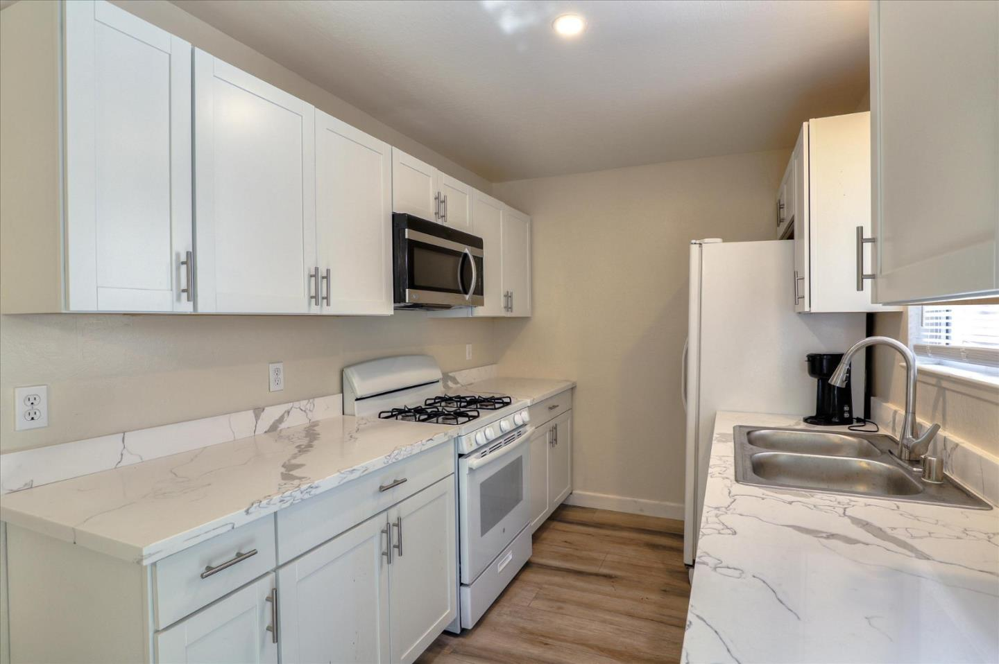 Detail Gallery Image 1 of 1 For 18222 Hale Ave #C,  Morgan Hill,  CA 95037 - 3 Beds | 1/1 Baths