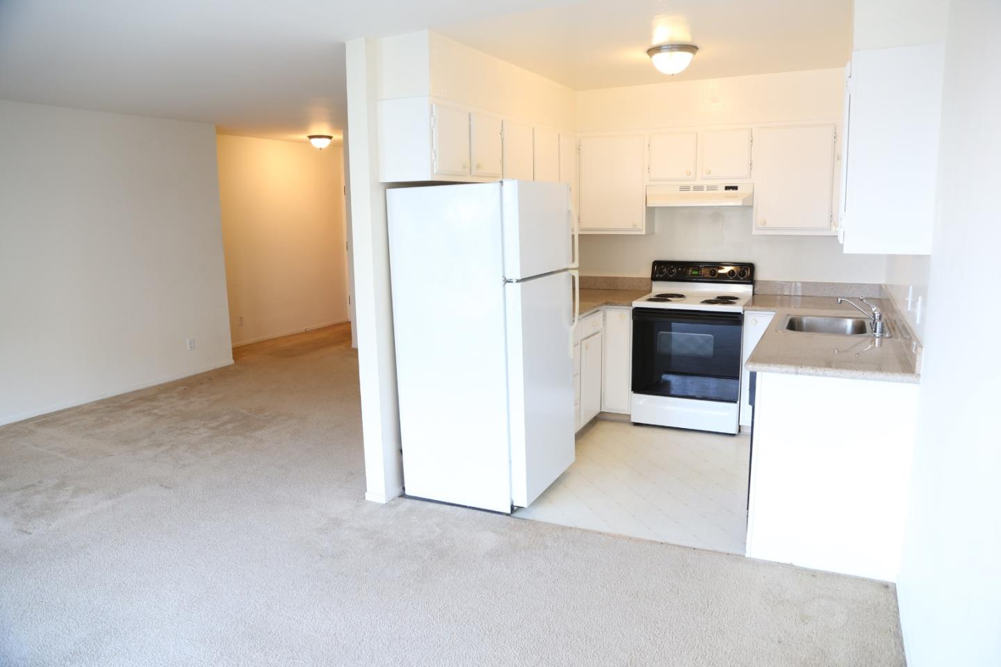 Awesome Bay Views within walking distance to downtown, Chinatown, Embarcadero, etc...this RARE unit just came available and won't last long.  Unit comes with one designated parking spot and onsite laundry room.   Excellent location and neighborhood.  Don't miss seeing this unit.....two bedroom also coming up soon!