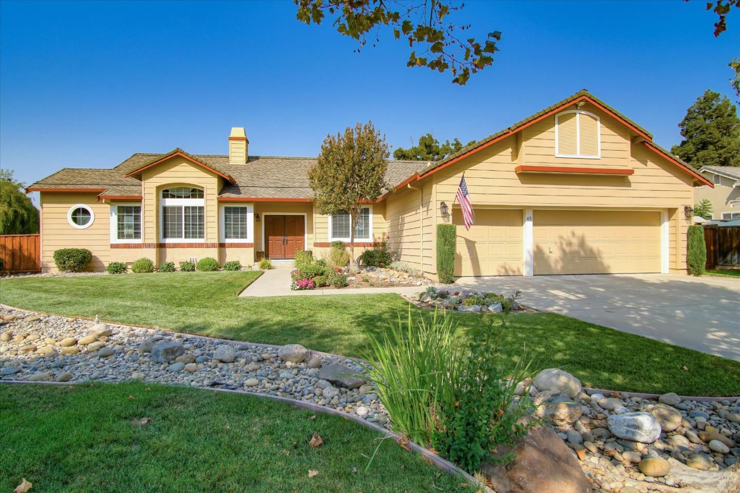 Detail Gallery Image 1 of 1 For 45 Janets Ct, Hollister,  CA 95023 - 4 Beds | 2/1 Baths
