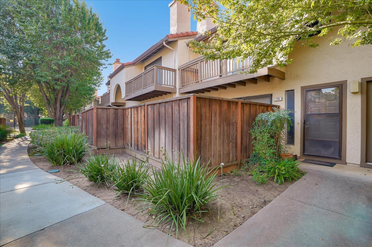 Photo of 738 Williamsburg WAY, GILROY, CA 95020