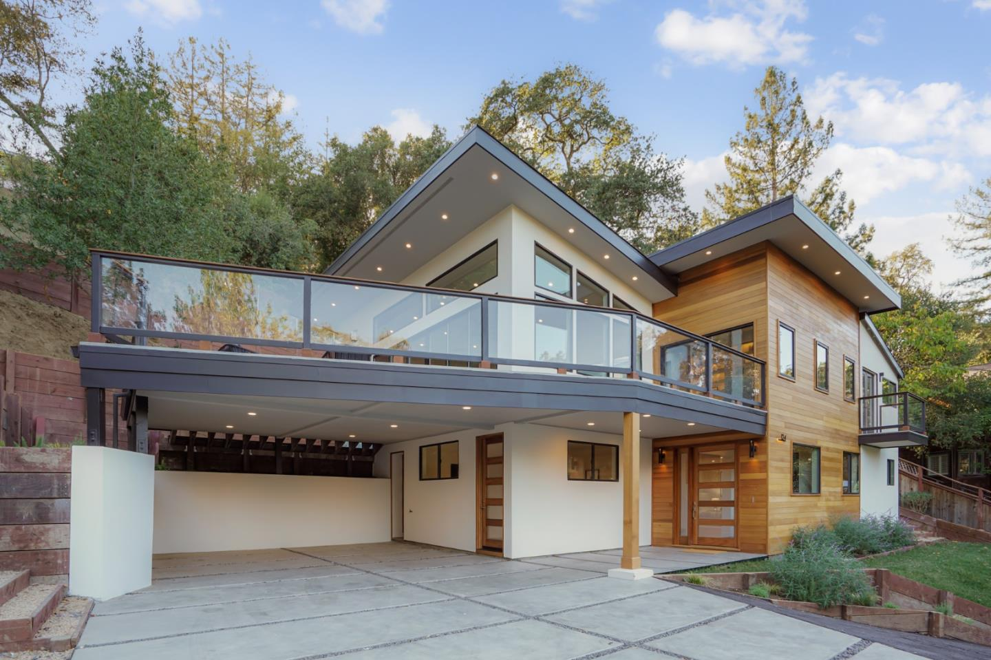 Detail Gallery Image 1 of 40 For 124 Foxwood Rd, Portola Valley,  CA 94028 - 4 Beds | 3/1 Baths