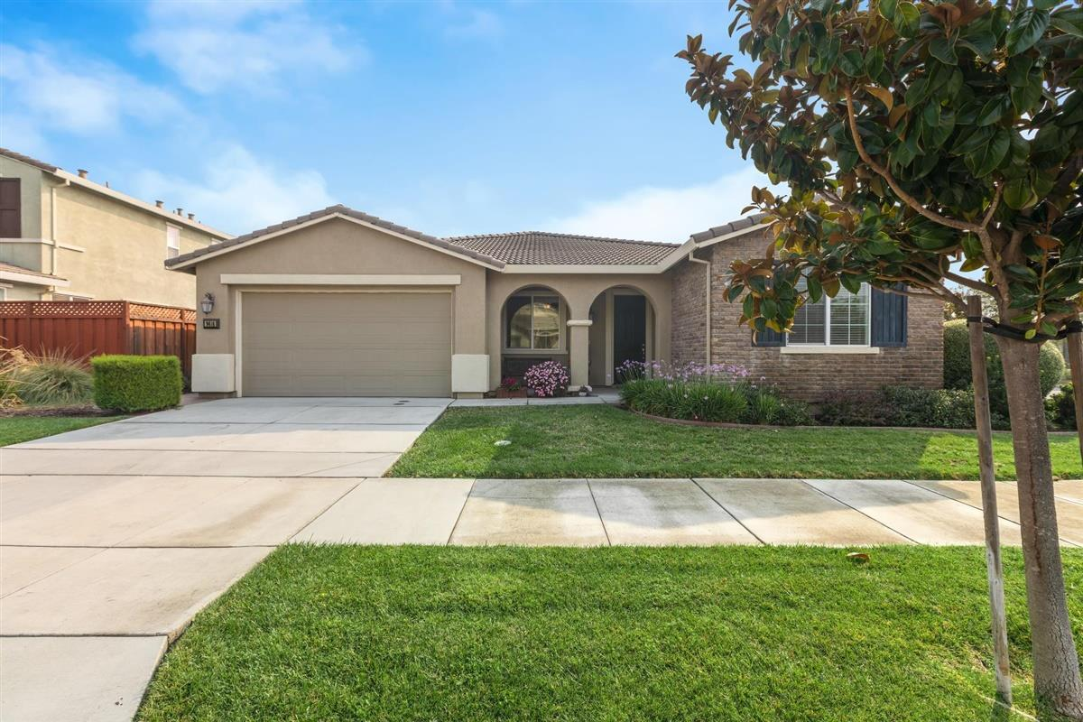 Detail Gallery Image 1 of 1 For 9616 Kiowa Ct, Gilroy,  CA 95020 - 4 Beds   3 Baths
