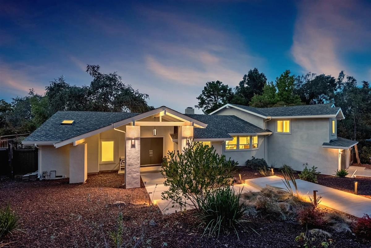Detail Gallery Image 1 of 1 For 17345 Clearview Dr, Los Gatos,  CA 95032 - 5 Beds | 4/1 Baths