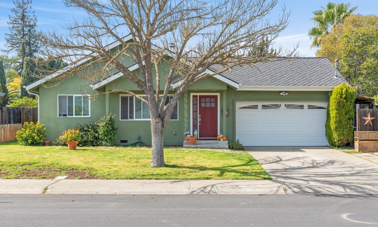 Detail Gallery Image 1 of 1 For 15191 Winton Way, San Jose,  CA 95124 - 3 Beds | 2 Baths
