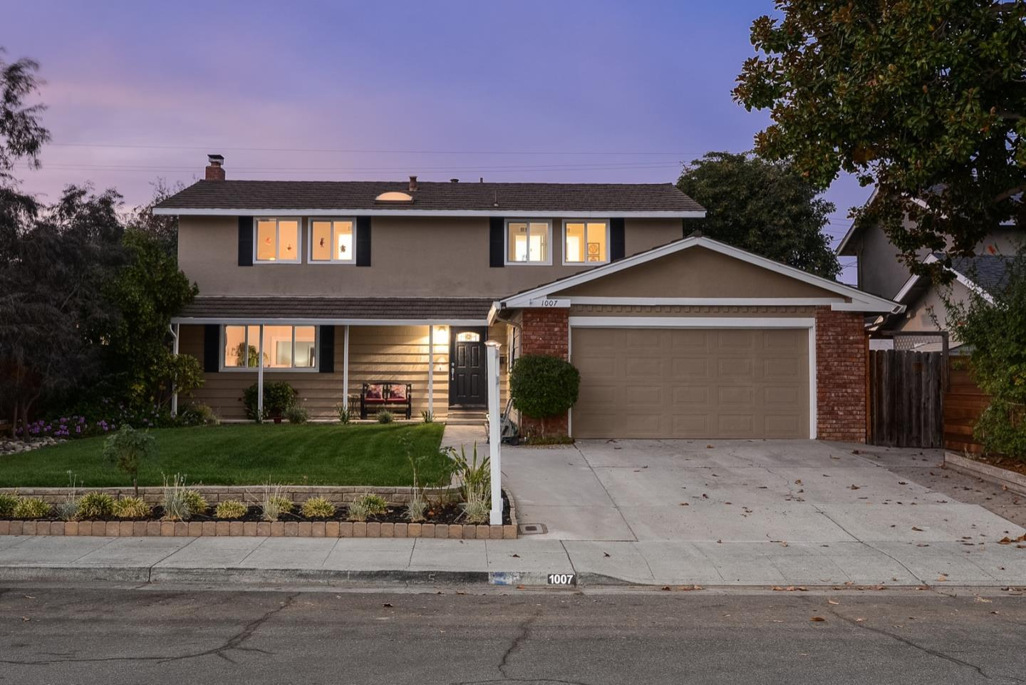 Detail Gallery Image 1 of 1 For 1007 Rosa Ave, Sunnyvale,  CA 94086 - 5 Beds | 2/1 Baths