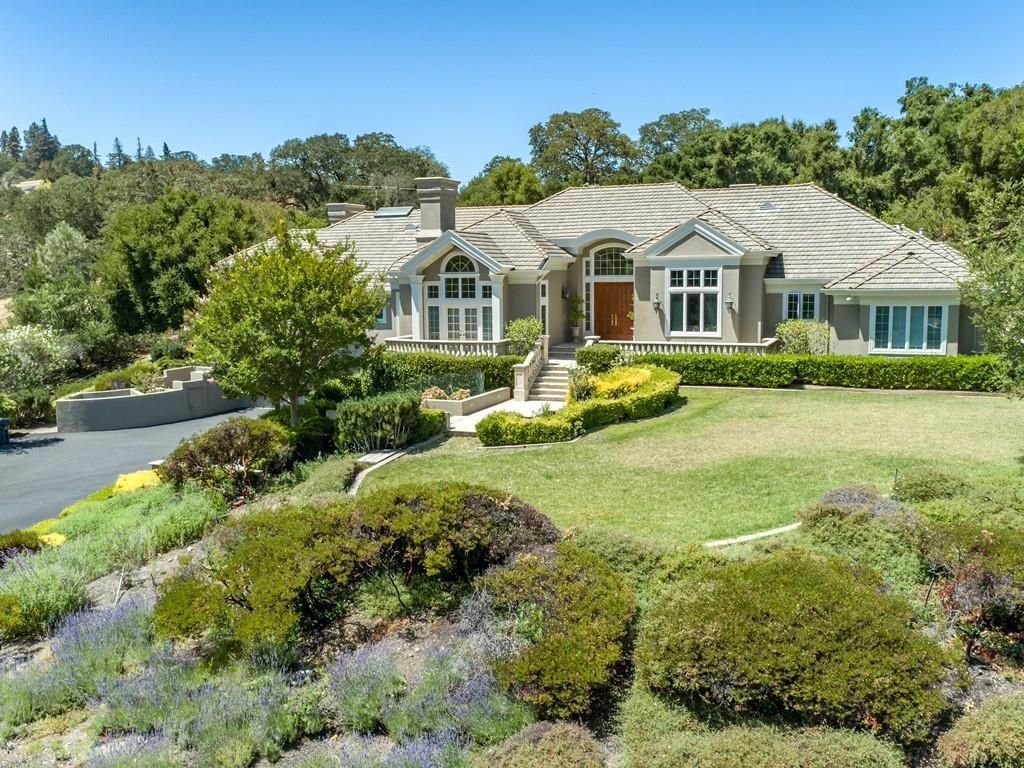 Detail Gallery Image 1 of 38 For 13910 Mirmirou Dr, Los Altos Hills,  CA 94022 - 4 Beds | 5/1 Baths