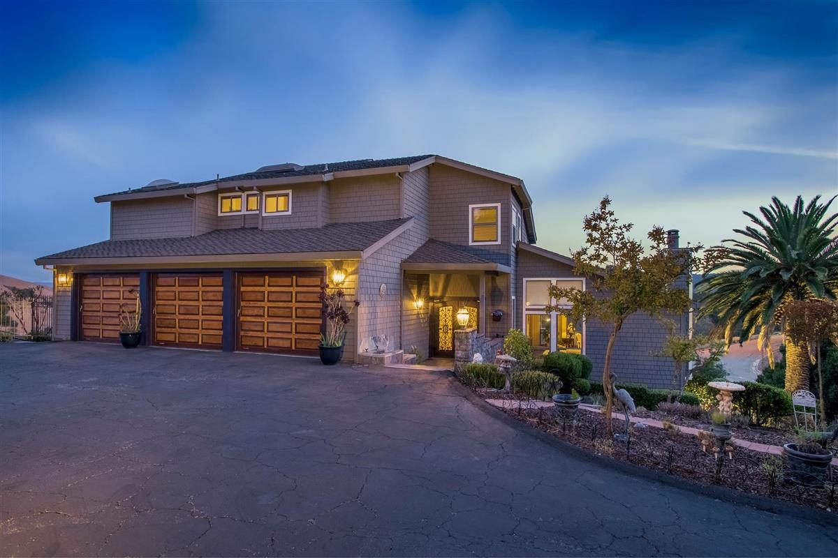 Detail Gallery Image 1 of 1 For 18510 Castle Hill Dr, Morgan Hill,  CA 95037 - 4 Beds | 3/1 Baths