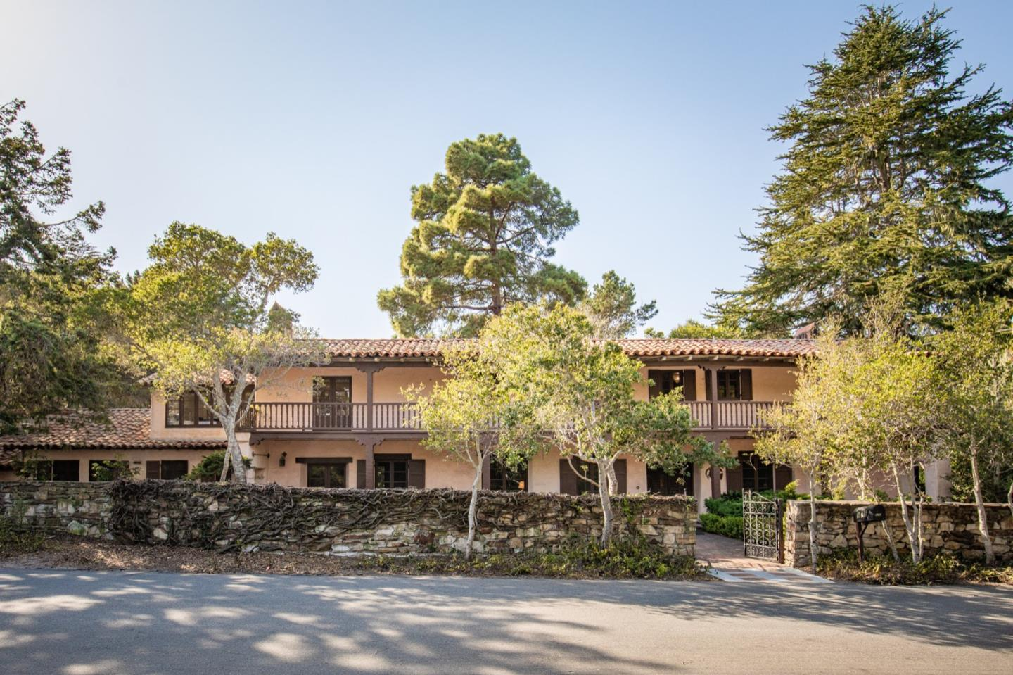 Photo of 976 Mesa RD, MONTEREY, CA 93940