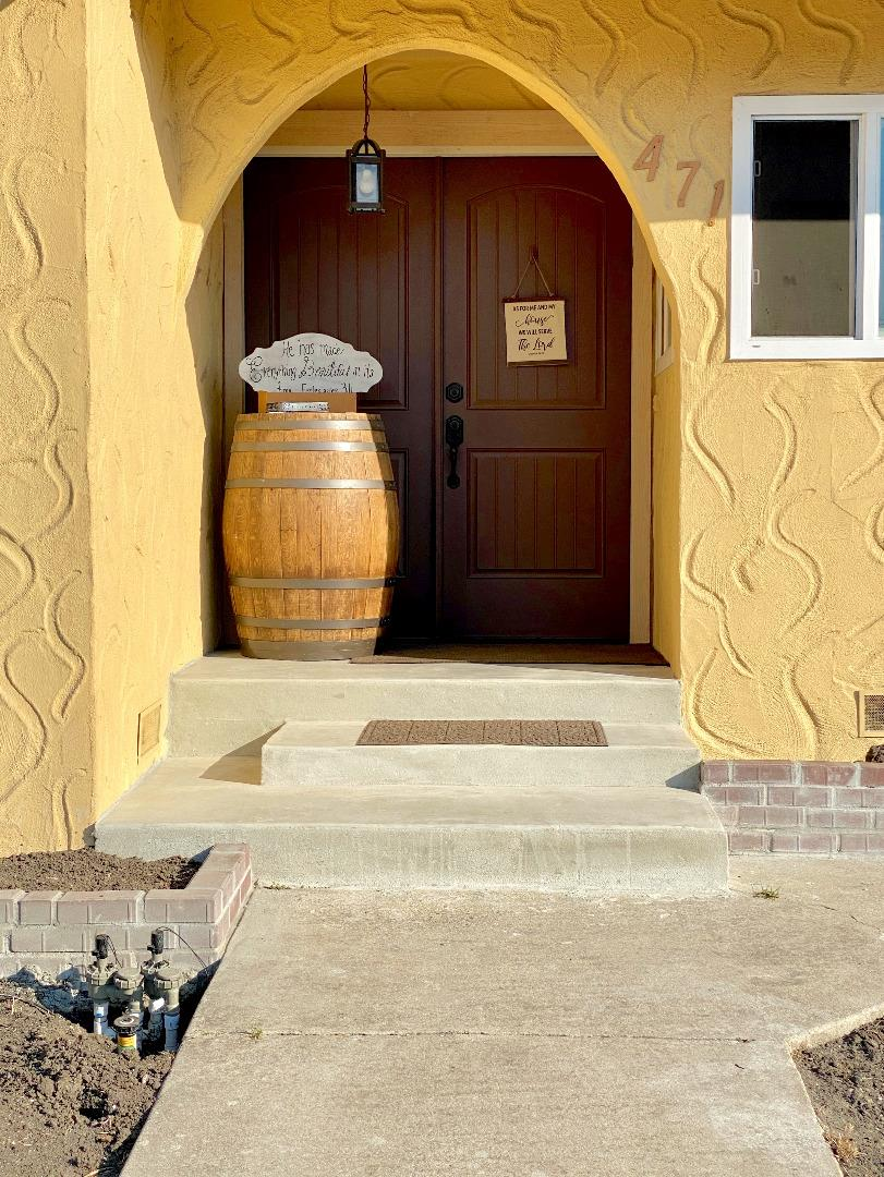 Detail Gallery Image 1 of 1 For 471 Belmont Dr, Salinas,  CA 93901 - 3 Beds   2 Baths