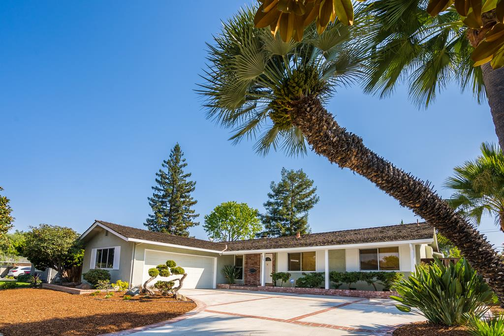 Detail Gallery Image 1 of 1 For 1462 Hollenbeck Ave, Sunnyvale,  CA 94087 - 4 Beds | 2 Baths