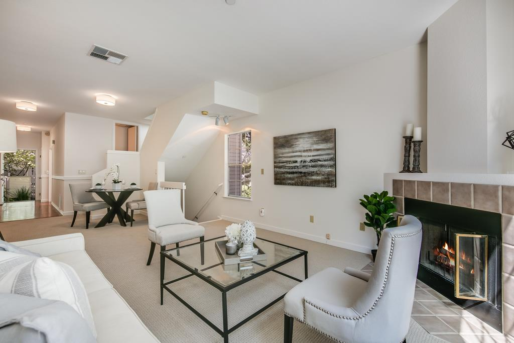 Detail Gallery Image 1 of 42 For 964 Belmont Ter #1,  Sunnyvale,  CA 94086 - 2 Beds | 2/1 Baths