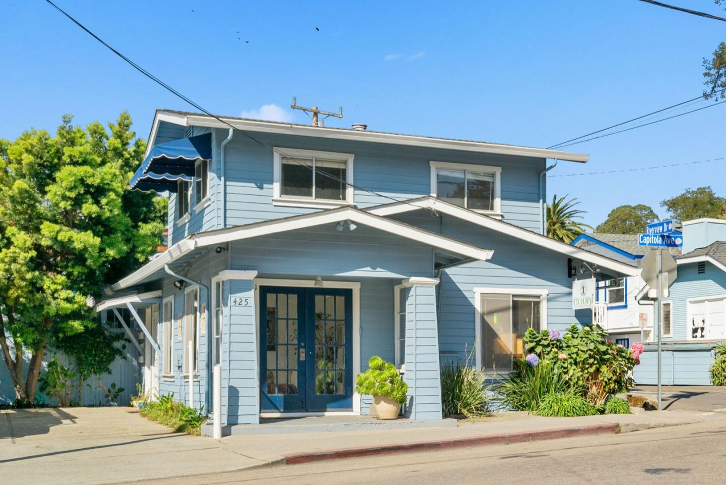 Detail Gallery Image 1 of 1 For 425 Capitola Ave, Capitola,  CA 95010 - 2 Beds | 1/1 Baths