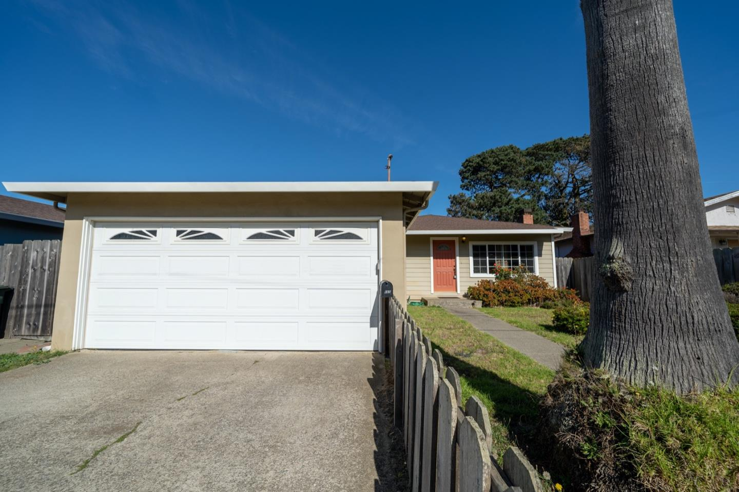 Detail Gallery Image 1 of 1 For 665 Navarre Dr, Pacifica,  CA 94044 - 4 Beds | 2 Baths