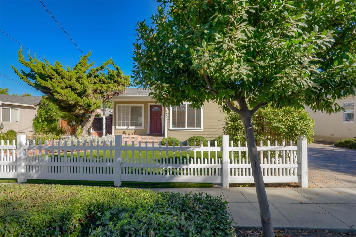 Detail Gallery Image 1 of 1 For 462 Morse Ave, Sunnyvale,  CA 94085 - 3 Beds | 1 Baths