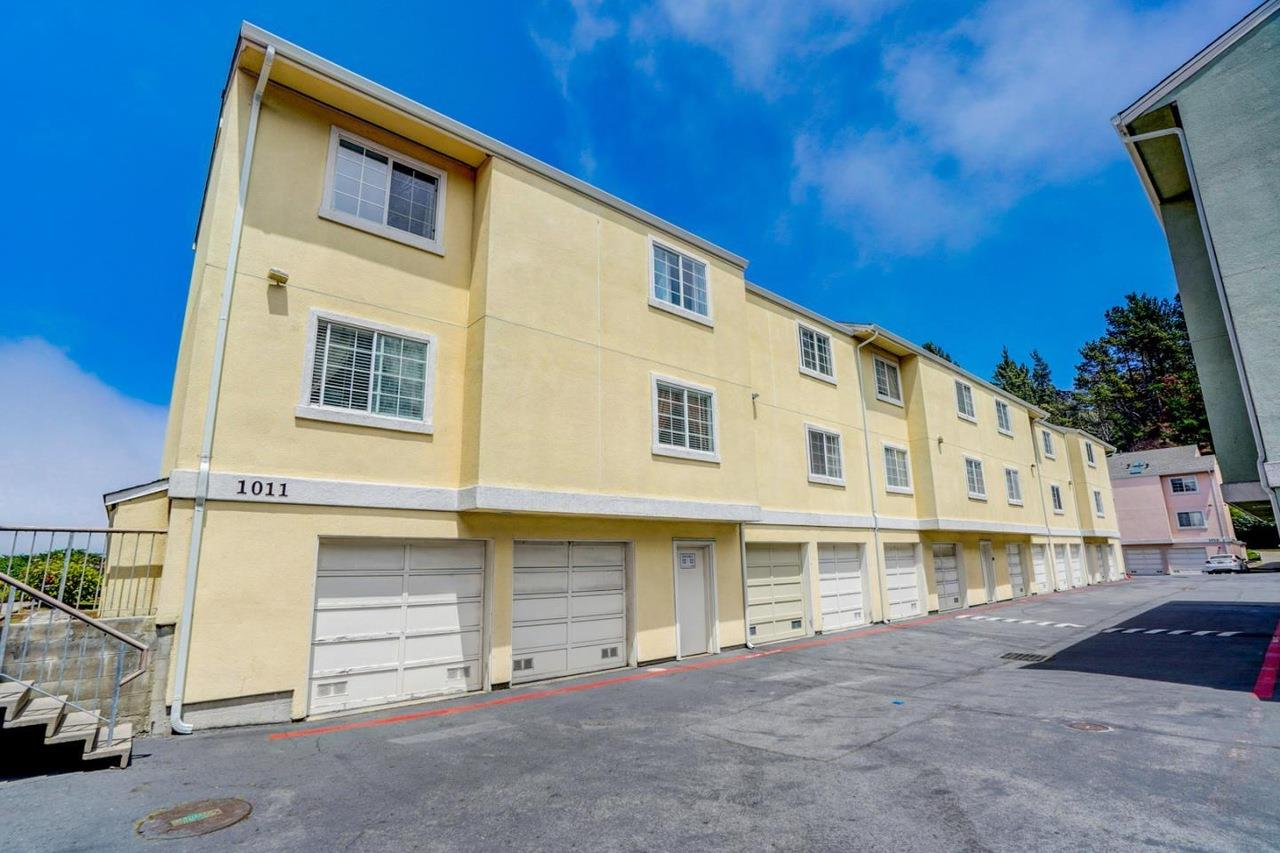 Detail Gallery Image 1 of 1 For 1011 San Gabriel Cir #517,  Daly City,  CA 94014 - 2 Beds | 1/1 Baths