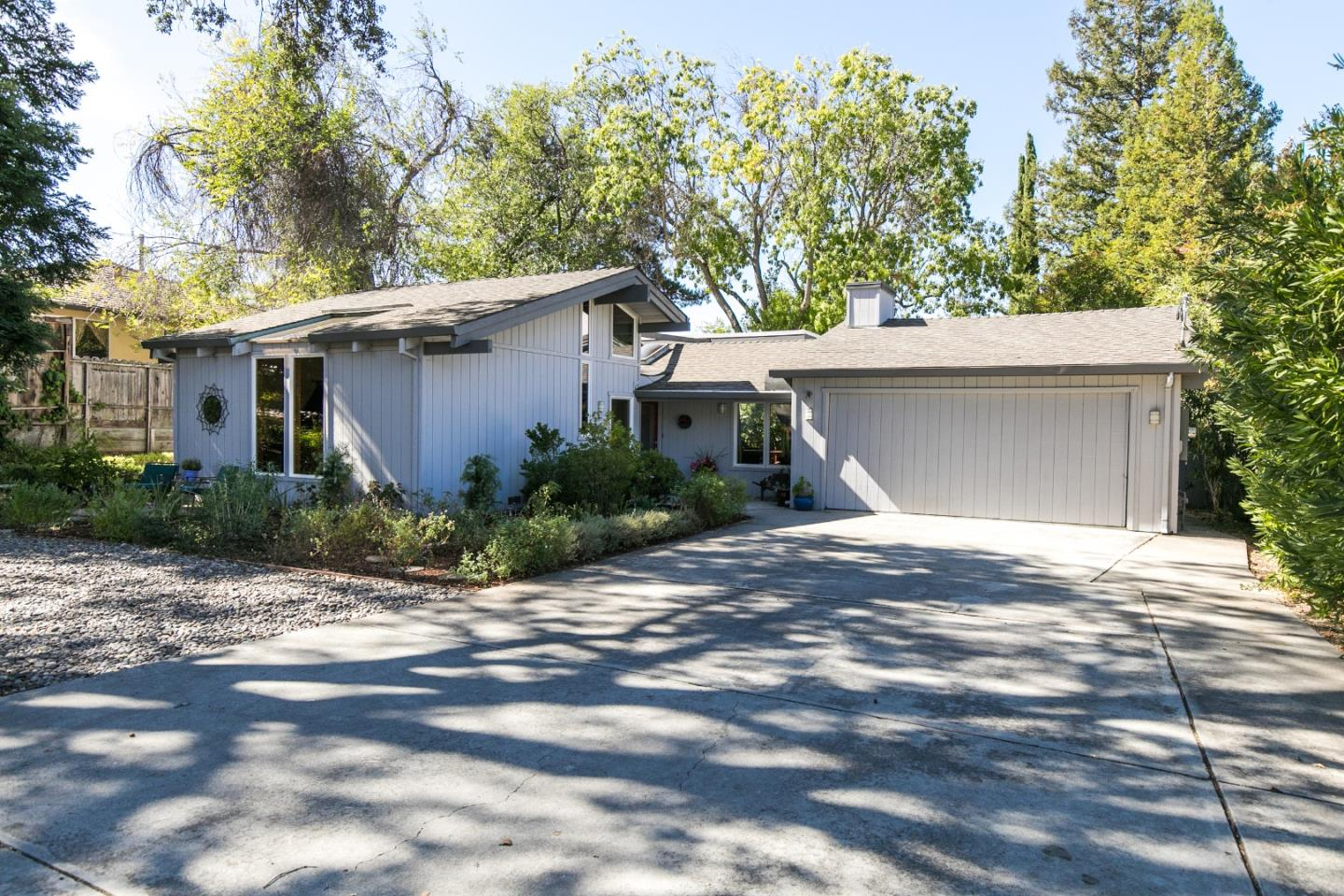 Detail Gallery Image 1 of 1 For 16471 Bonnie Ln, Los Gatos,  CA 95032 - 4 Beds | 2 Baths