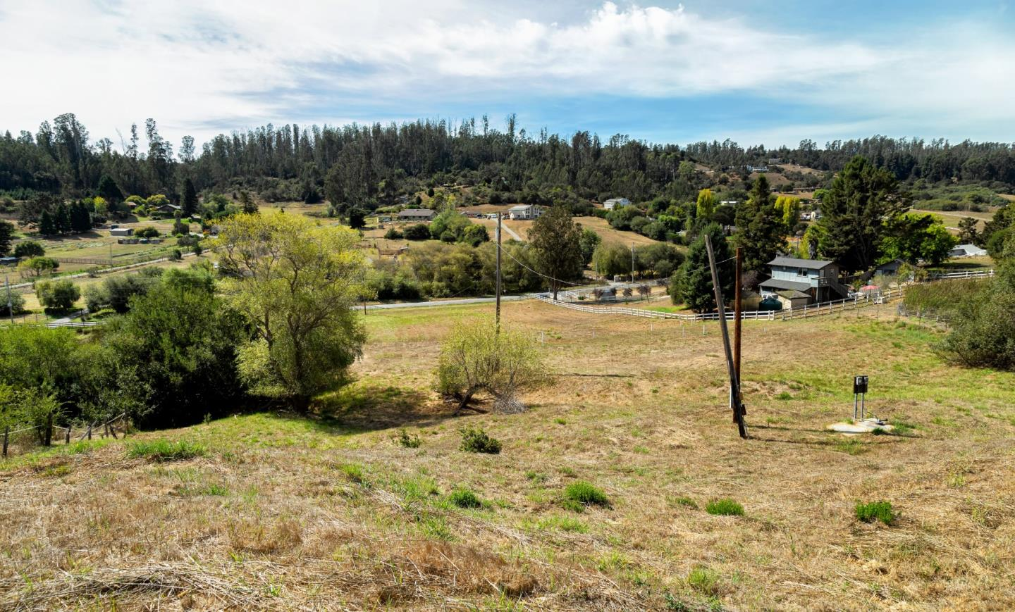 Detail Gallery Image 1 of 7 For 400 Larkin Valley Rd, Watsonville,  CA 95076 - – Beds   – Baths