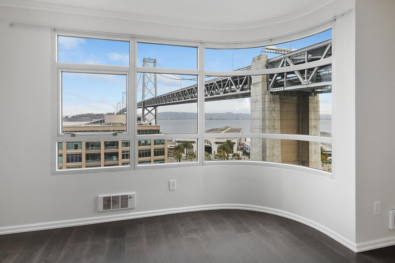 Detail Gallery Image 1 of 28 For 403 Main St 812n,  San Francisco,  CA 94105 - 2 Beds | 2 Baths
