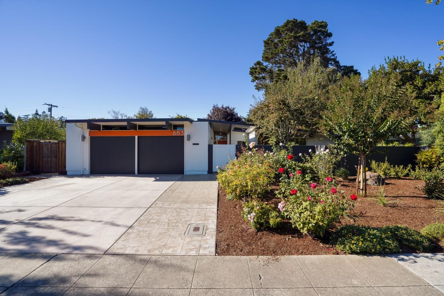 Detail Gallery Image 1 of 1 For 863 Talisman Dr, Palo Alto,  CA 94303 - 4 Beds | 2 Baths