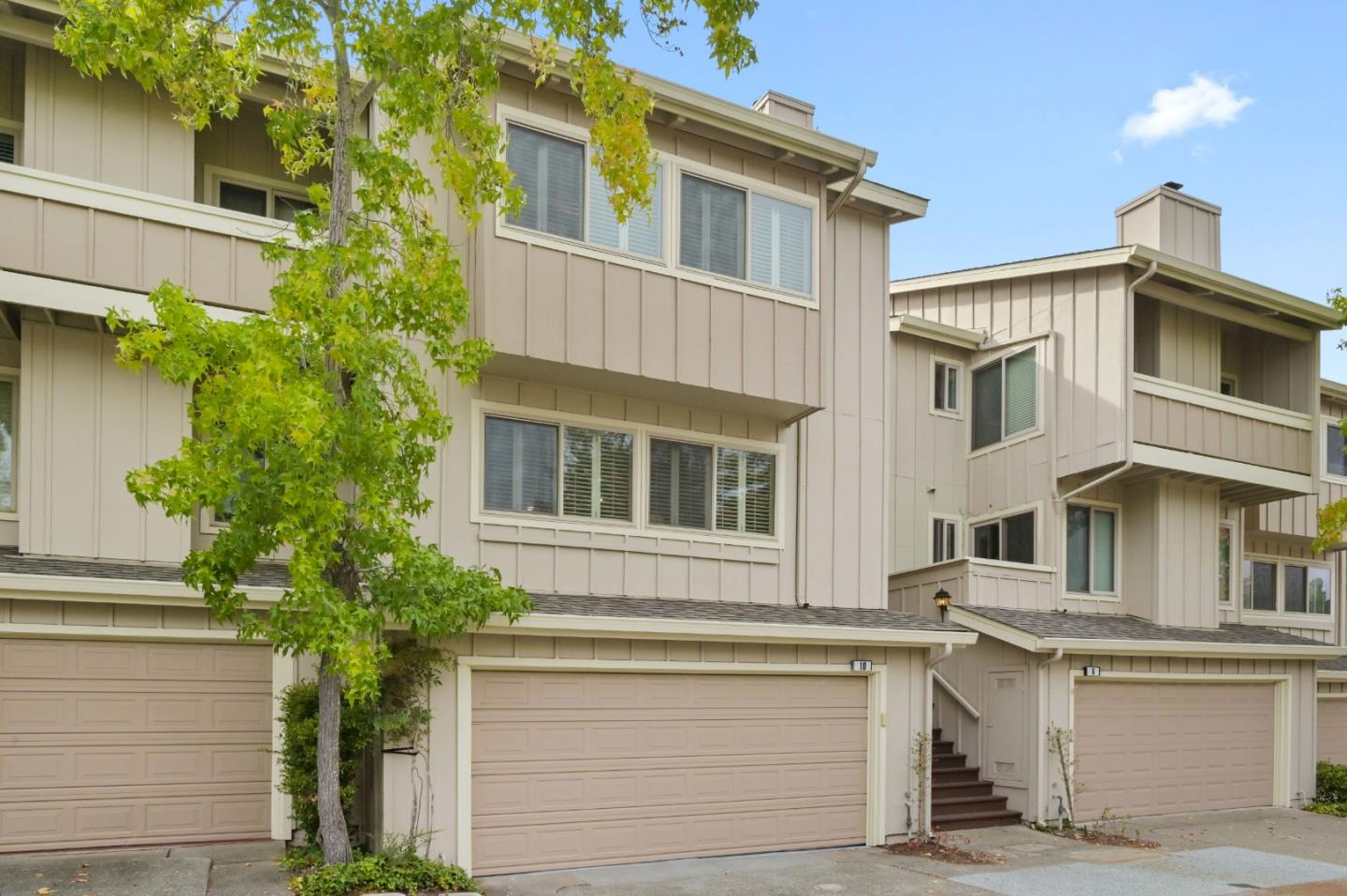 Detail Gallery Image 1 of 1 For 10 Creekridge Ct, San Mateo,  CA 94402 - 3 Beds | 2/1 Baths