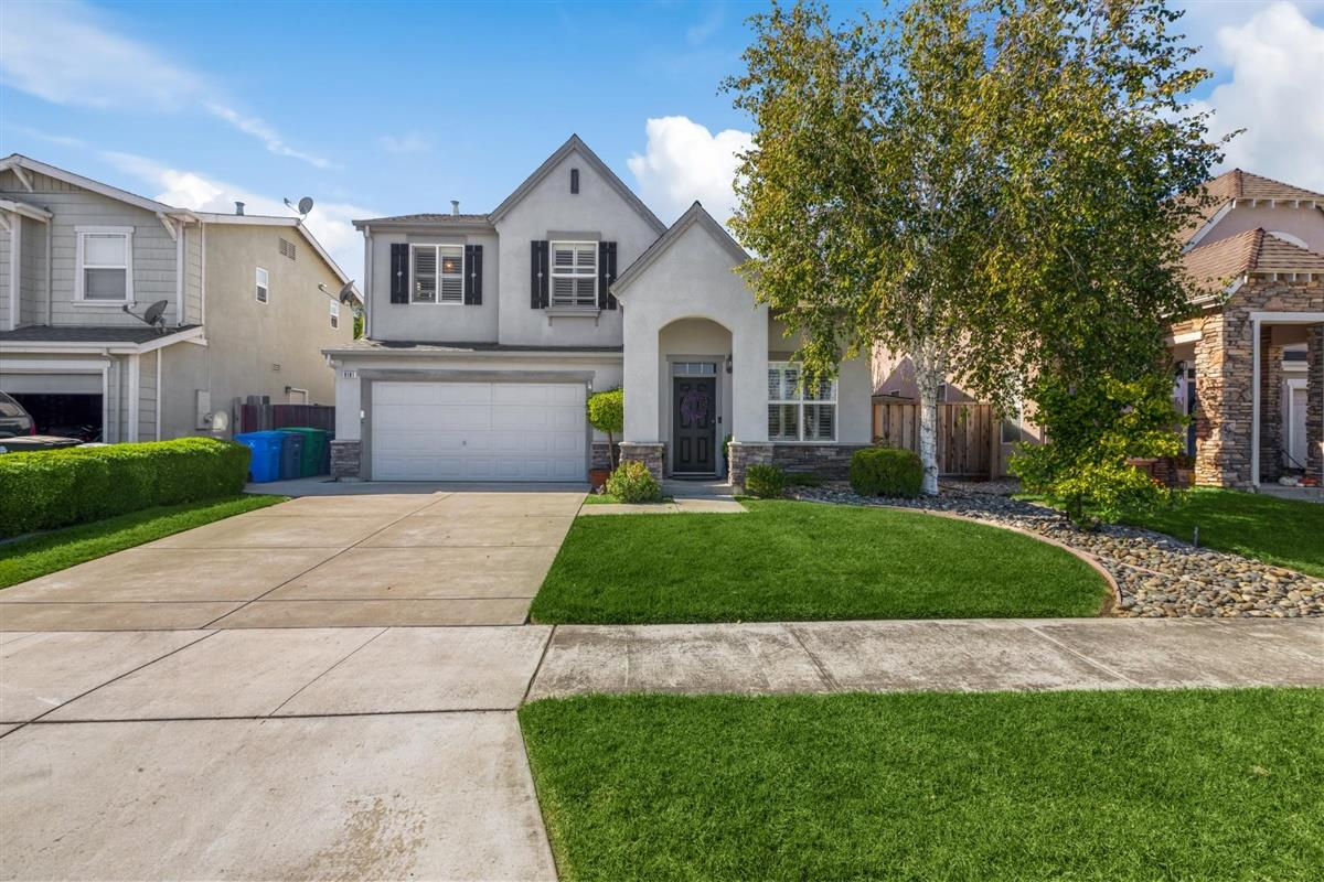 Detail Gallery Image 1 of 1 For 9181 Padova Dr, Gilroy,  CA 95020 - 4 Beds | 2/1 Baths