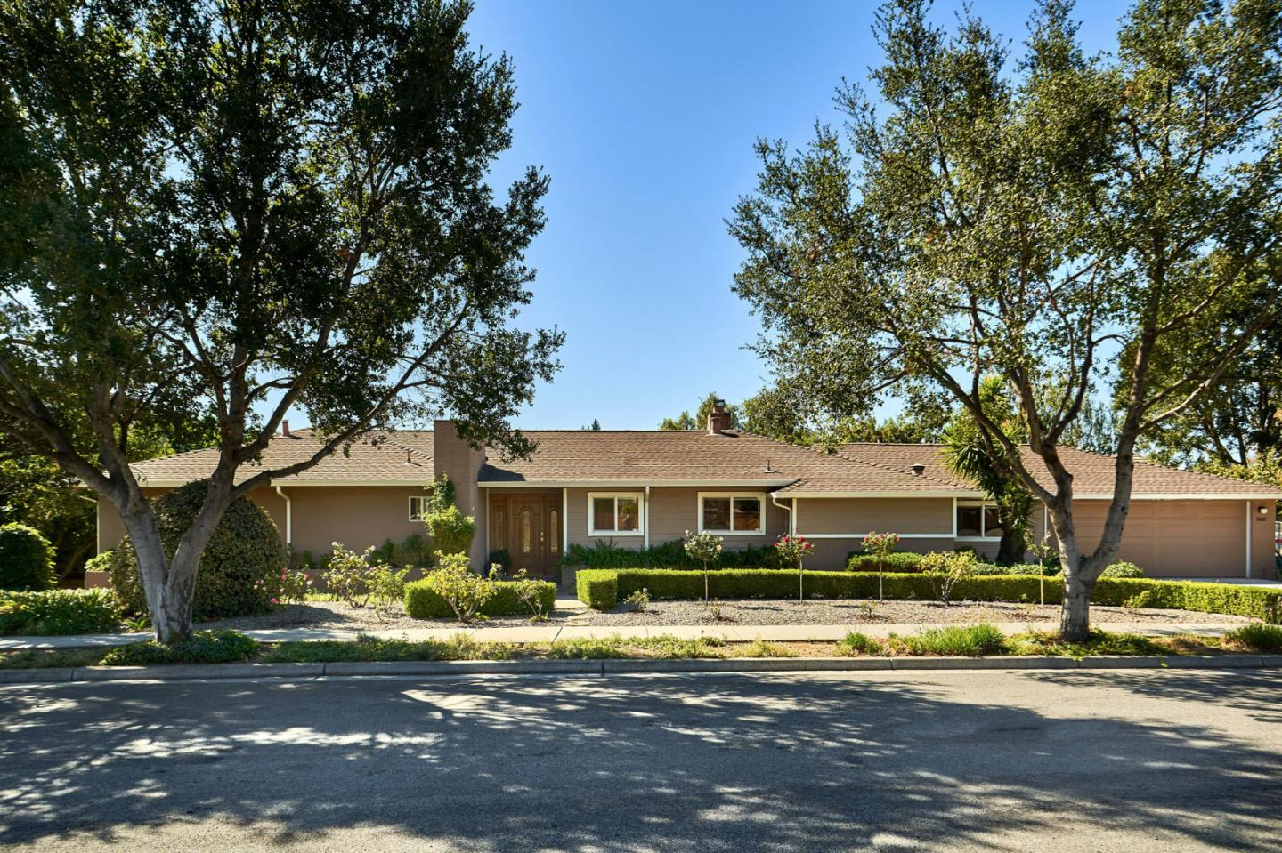 Detail Gallery Image 1 of 1 For 16865 Hill Rd, Morgan Hill,  CA 95037 - 6 Beds | 4/1 Baths