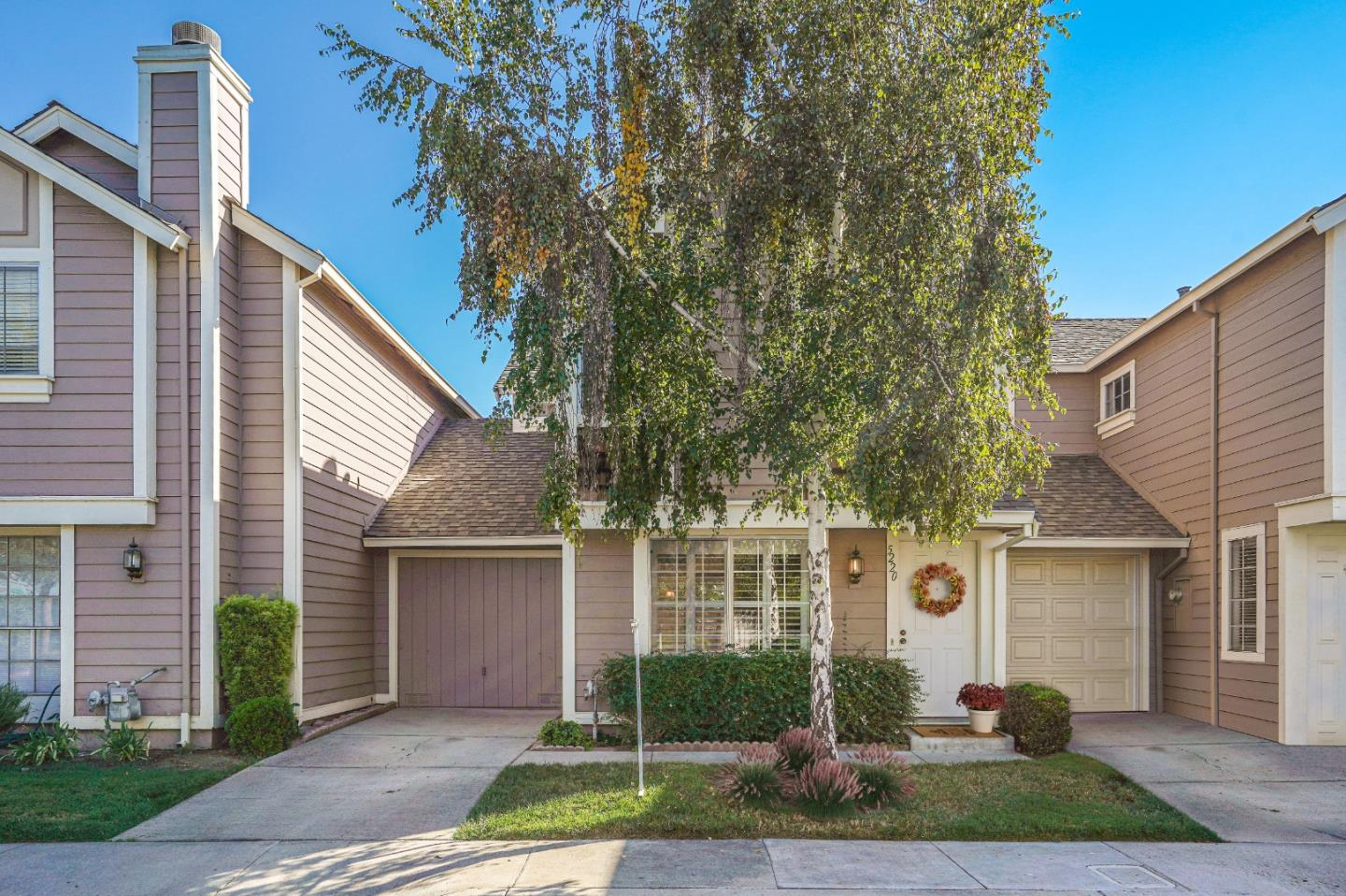 Detail Gallery Image 1 of 13 For 5220 Macaw Ct, San Jose,  CA 95123 - 2 Beds | 2/1 Baths