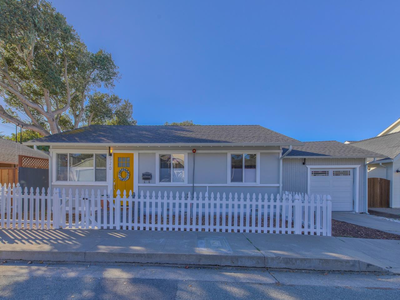 Detail Gallery Image 1 of 1 For 520 16th St, Pacific Grove,  CA 93950 - 2 Beds | 1 Baths