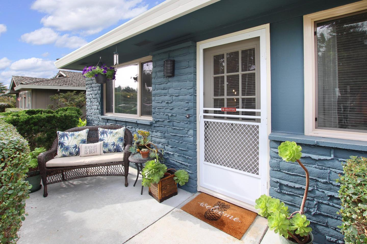 Detail Gallery Image 1 of 1 For 1365 42nd Ave #1,  Capitola,  CA 95010 - 2 Beds | 1 Baths