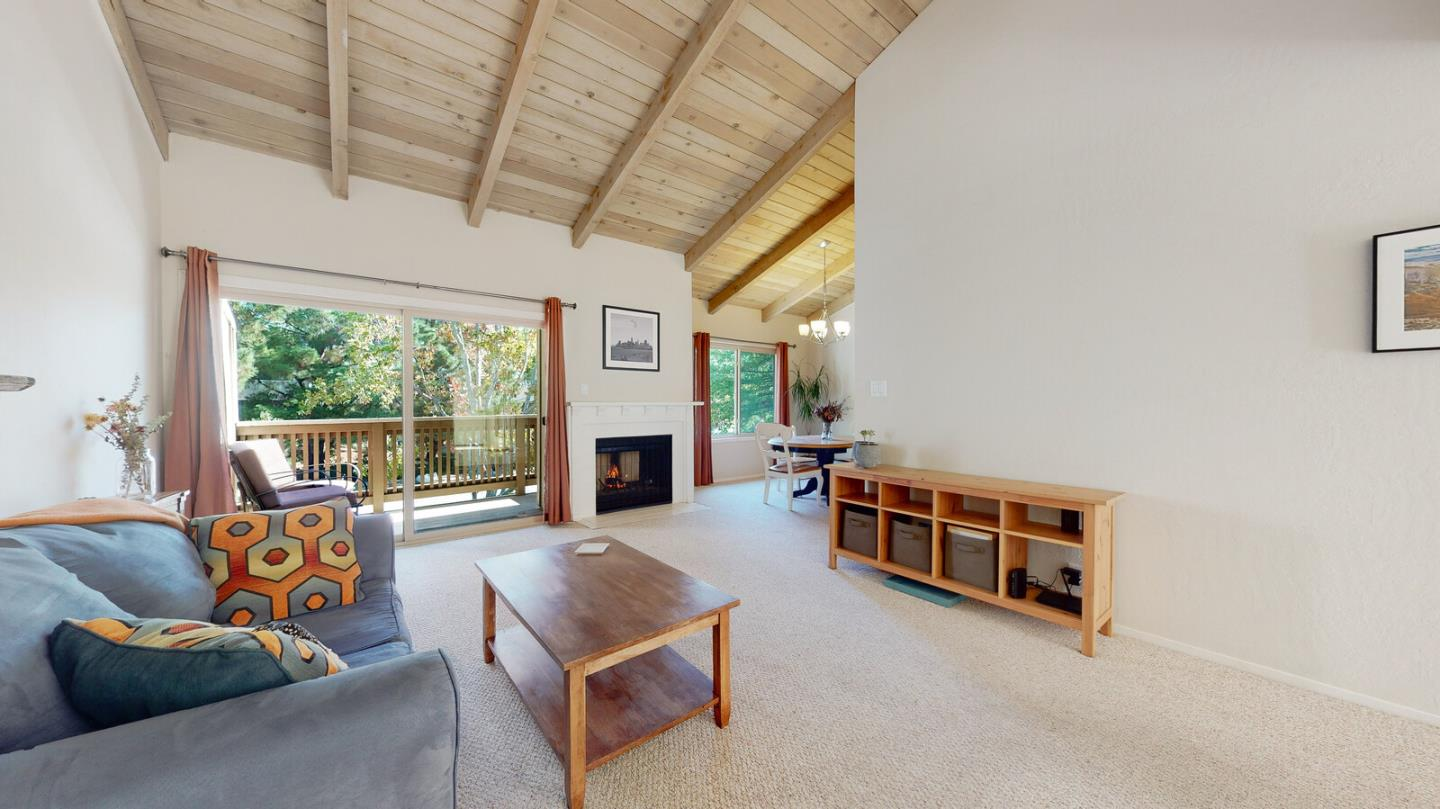 Detail Gallery Image 1 of 1 For 38 Weepingridge Ct, San Mateo,  CA 94402 - 2 Beds | 2/1 Baths