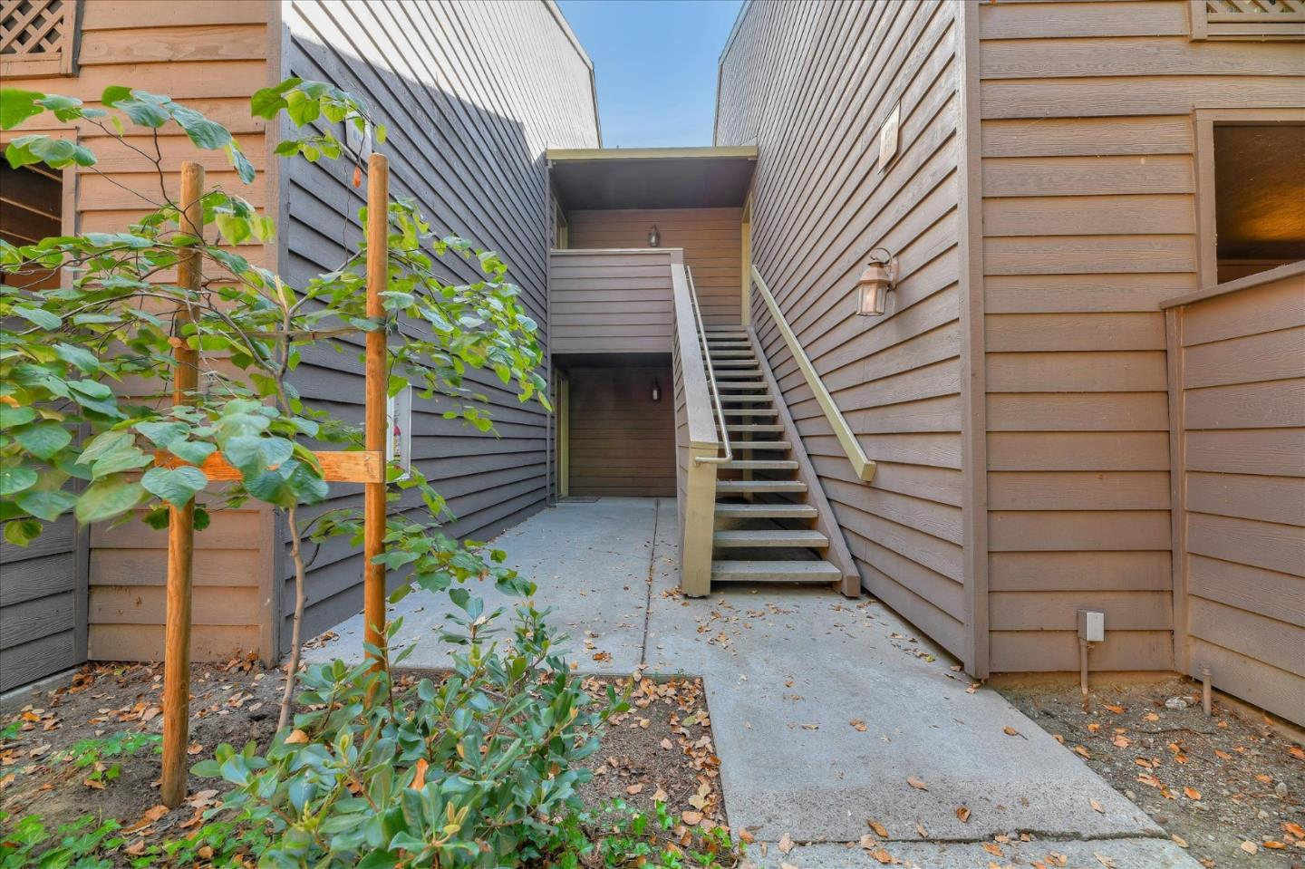 Detail Gallery Image 1 of 1 For 854 Catkin Ct, San Jose,  CA 95128 - 2 Beds | 2 Baths