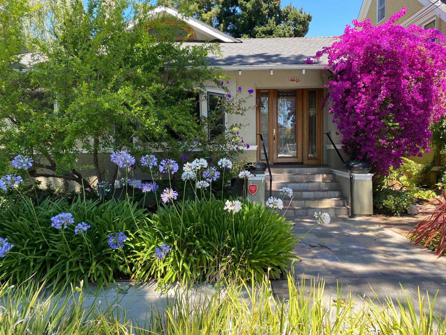 Detail Gallery Image 1 of 1 For 327 Waverley St, Palo Alto,  CA 94301 - 4 Beds | 3/2 Baths
