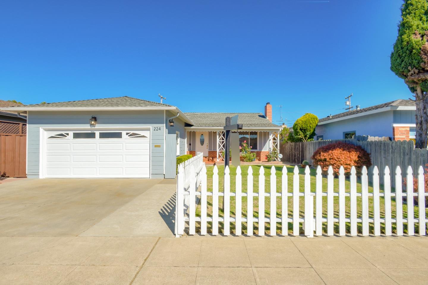 Detail Gallery Image 1 of 1 For 224 Prague St, San Mateo,  CA 94401 - 3 Beds | 2 Baths
