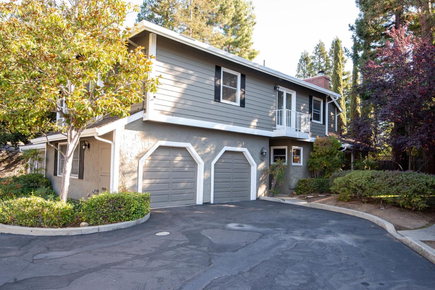 Detail Gallery Image 1 of 1 For 17435 E Vineland Ave, Los Gatos,  CA 95030 - 3 Beds | 2/1 Baths