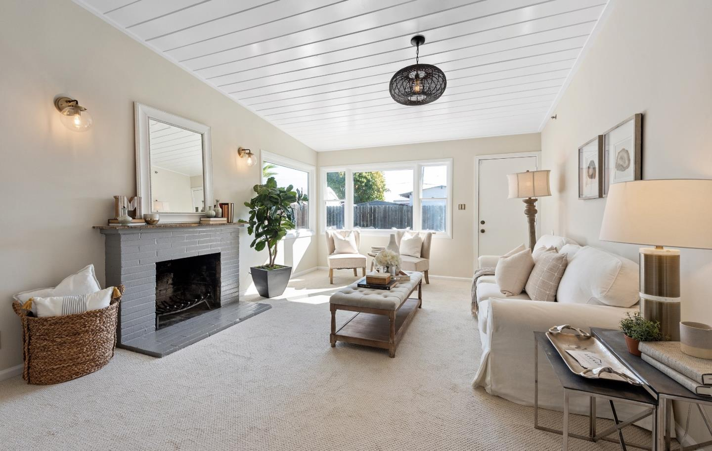 Detail Gallery Image 1 of 1 For 2796 Fordham St, East Palo Alto,  CA 94303 - 3 Beds | 1 Baths