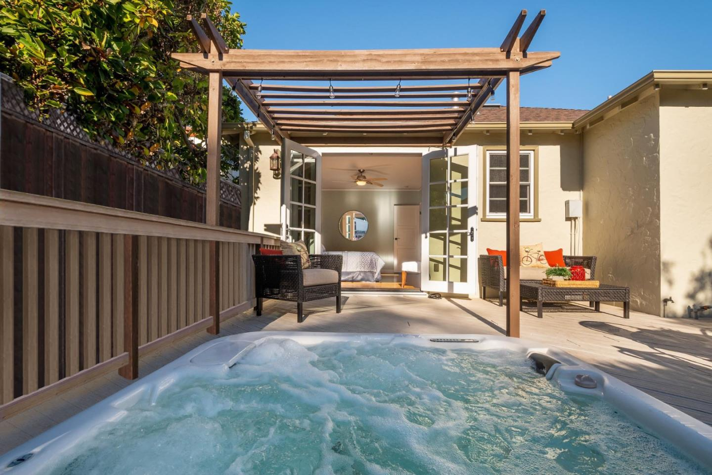 Detail Gallery Image 1 of 1 For 1740 Palm Ave, San Mateo,  CA 94402 - 3 Beds | 1 Baths