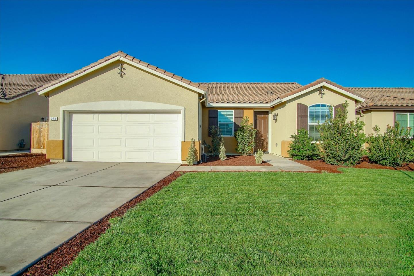 Detail Gallery Image 1 of 1 For 229 Rose Ave, Los Banos,  CA 93635 - 3 Beds   2 Baths