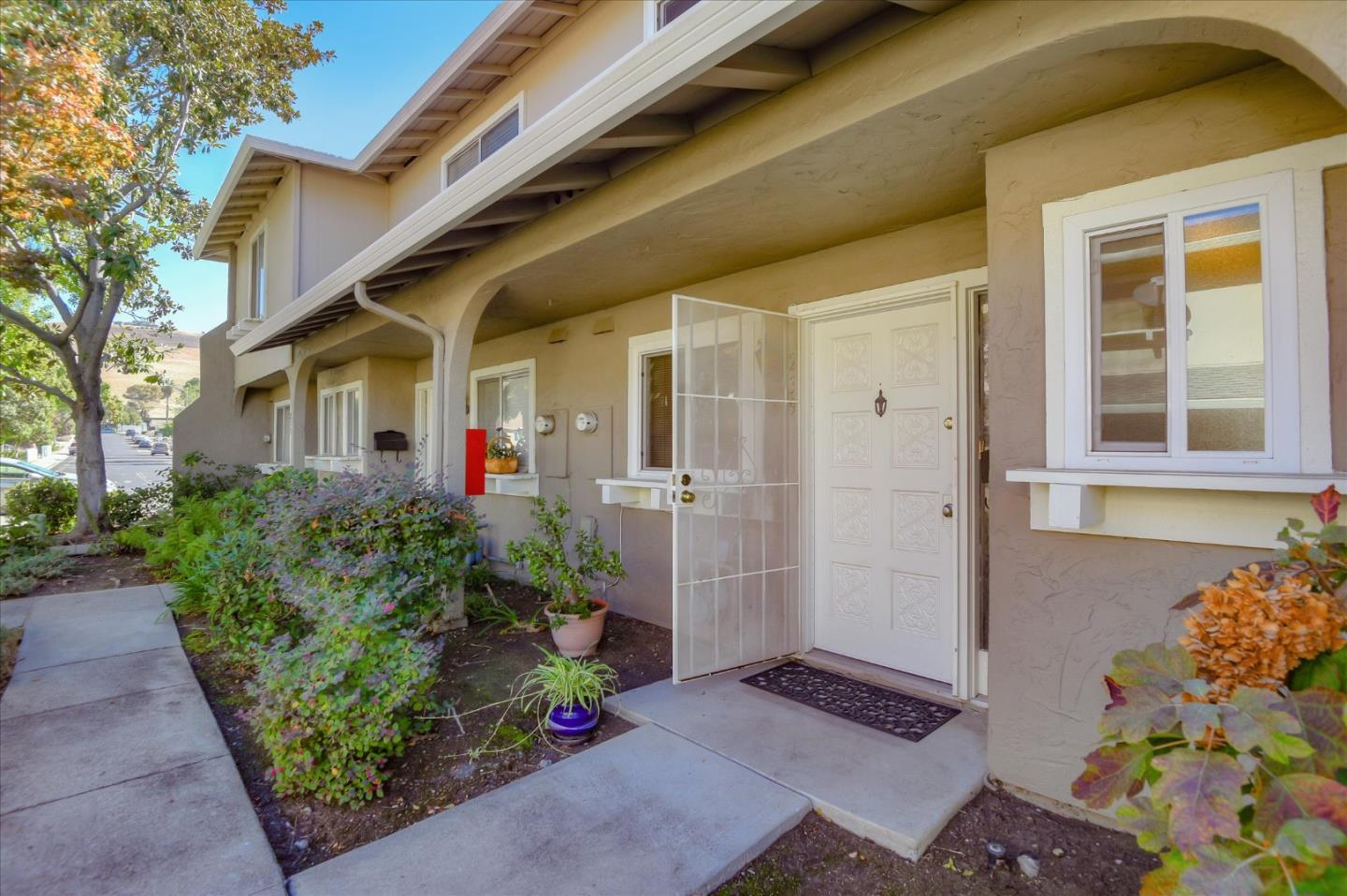 Detail Gallery Image 1 of 1 For 239 N Temple Dr, Milpitas,  CA 95035 - 2 Beds | 1/1 Baths