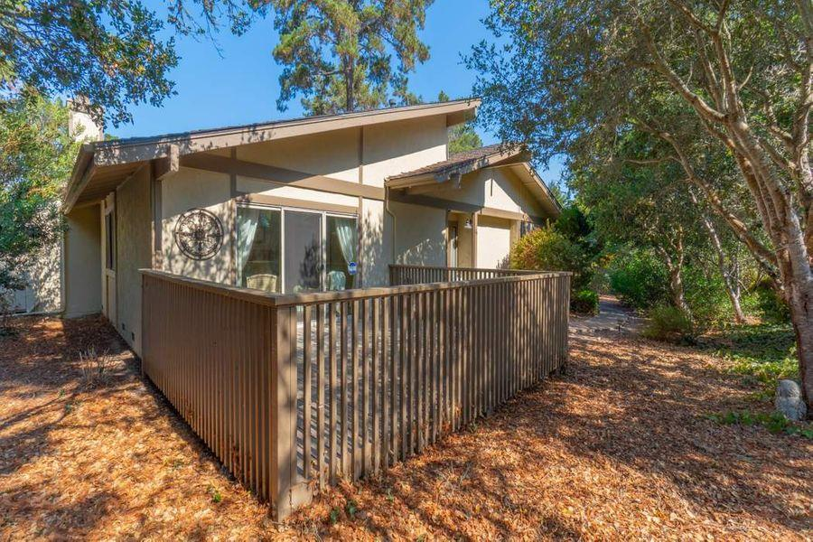 Detail Gallery Image 1 of 1 For 1360 Josselyn Canyon Rd #30,  Monterey,  CA 93940 - 2 Beds | 2 Baths